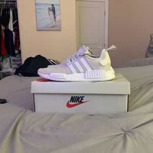 Adidas OG triple white nmds🔥